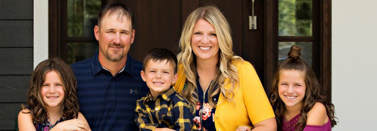 Novo Nordisk's 2018 Working Mother of the Year, Stacy Hintzman, and her family